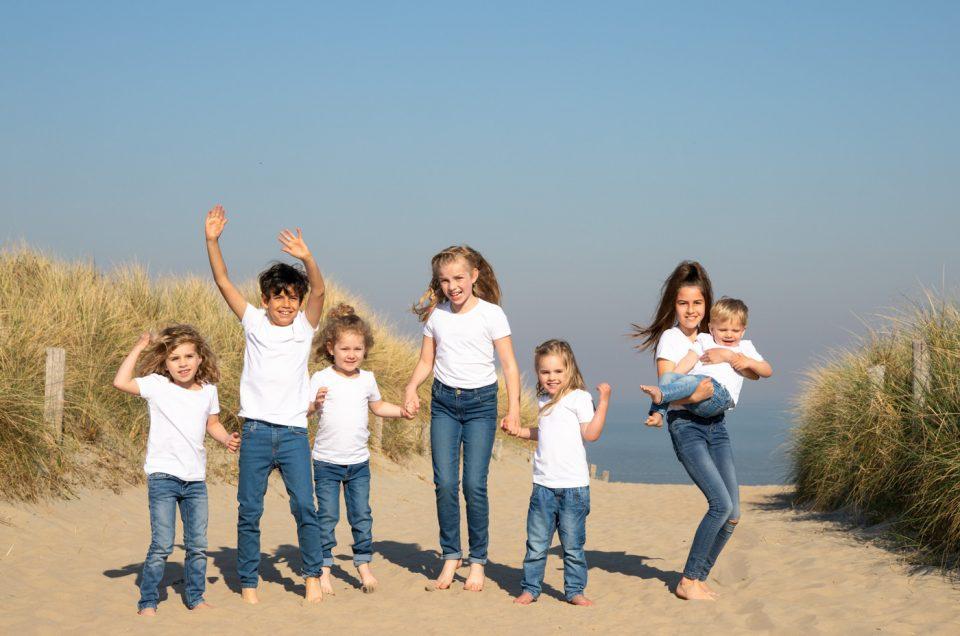 Met alle kleinkinderen op het strand